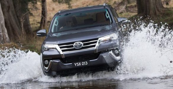 2016-toyota-fortuner-front-water-750x388